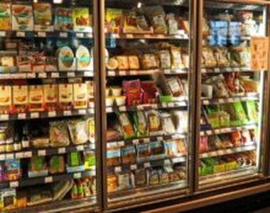 """Alimentele expirate: ce aruncăm la gunoi și ce păstrăm? Nutriționist: """"Mirosul gustul..."""
