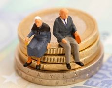 Șoc total! Vârsta de PENSIONARE, 75 de ani?? Apel URGENT către Guvernul Orban