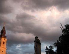 Intensificări ale vântului în trei judeţe din Muntenia, până la ora 16:00