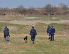 Fetiţa de 11 ani dată dispărută este căutată cu elicopter, drone şi câini de urmă
