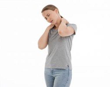 Durerea de umeri și înțepenirea gâtului, semnele spondizolei cervicale. Ce e de făcut