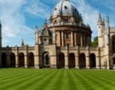 Oxfordul zdruncinat de un scandal fără precedent: Un profesor al celebrei universități  este anchetat pentru vănzarea 'Cuvântului lui Dumnezeu'