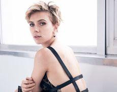 Revista Forbes: Scarlett Johansson este pentru al doilea an consecutiv cea mai bine plătită actriţă